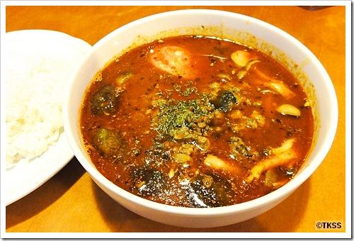 ナスとひき肉とシメジのスープカレー LOOK-KA PY PY ルッカパイパイ
