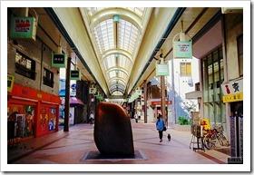 「安田侃野外彫刻展 -街に触れる-」