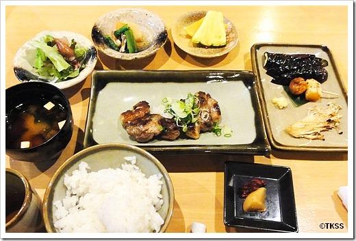 本日の焼き魚と焼き野菜三種の定食 六本木 炉端や