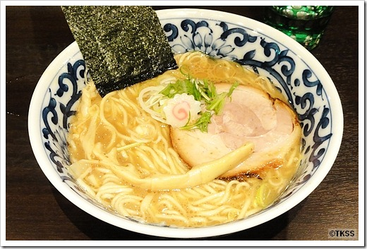 豚骨魚介らー麺 東京駅 斑鳩