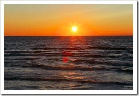 石狩浜に沈む夕日
