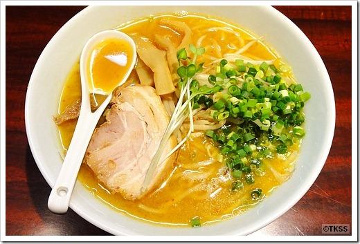 味噌ラーメン 麺eiji