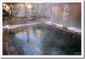 糠平温泉中村屋の露天風呂