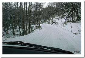 東大雪荘へ向かう道
