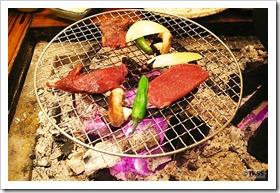鹿肉の網焼き(山湖荘 囲炉裏山賊料理)