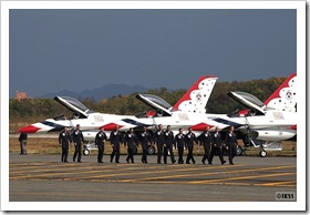 サンダーバーズ at CHITOSE Air Base