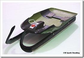新型リュージュ競技橇
