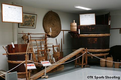 男山酒造り資料館 3階昔の酒造り道具展示場