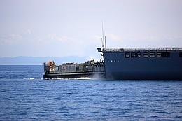 輸送艦しもきた、エアクッション艇
