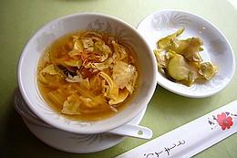 中華スープ、ザーサイ