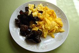 木須木耳:きくらげと玉子炒め