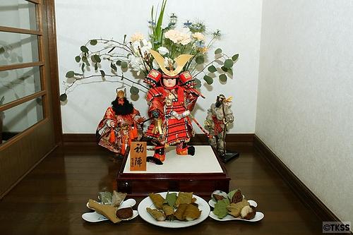 武者人形と柏餅
