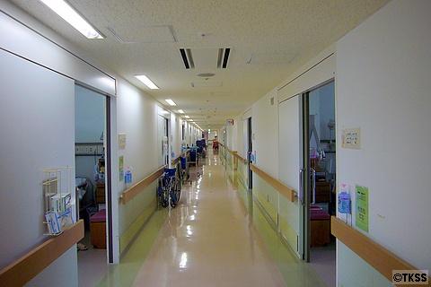 病棟内の廊下
