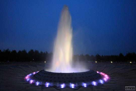 夜のモエレ沼公園 海の噴水