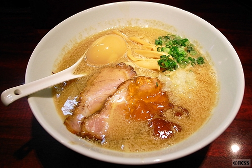 濃厚魚介豚骨麺(醤油) eiji