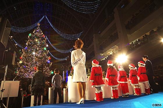 ジャンボクリスマスツリー点灯式 サッポロファクトリー