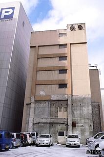 トマソン 高所ドア 北家ビル