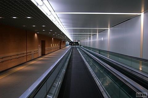 羽田空港第1ターミナル、第2ターミナル連絡通路