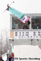 第29回全日本スキー選手権大会フリースタイル競技エアリアル種目 女子1位:逸見佳代