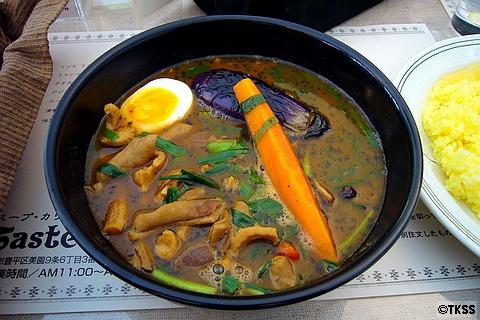 ニラとモツの煮込みスープカリー