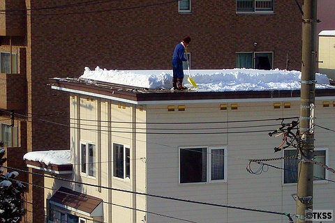 屋根の雪降ろし