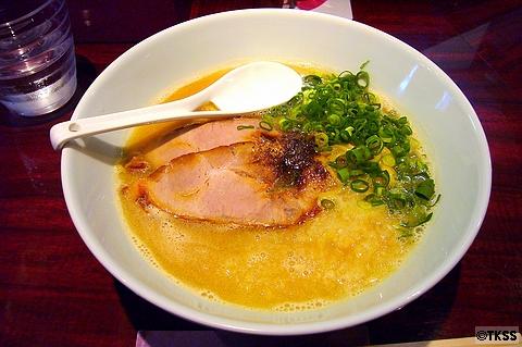 濃厚魚介豚骨麺 eiji